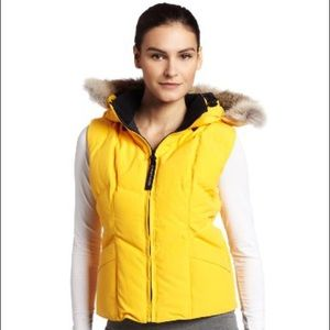 RARE Canada Goose Woman Vest wit Fur Hoodie XS
